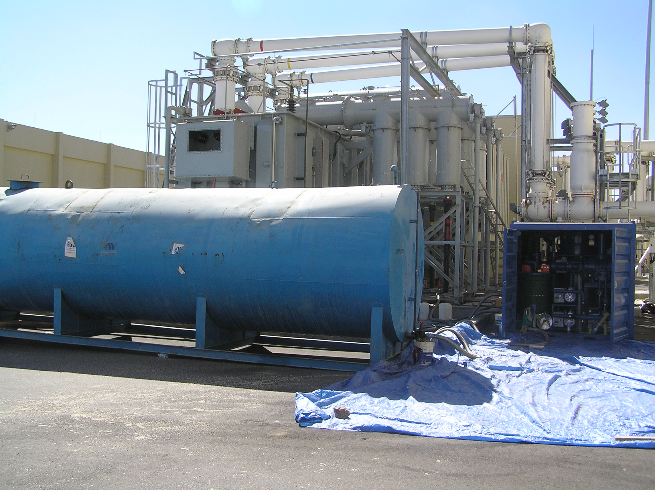 Globecore insulating oil clarification systems with Fullers Earth